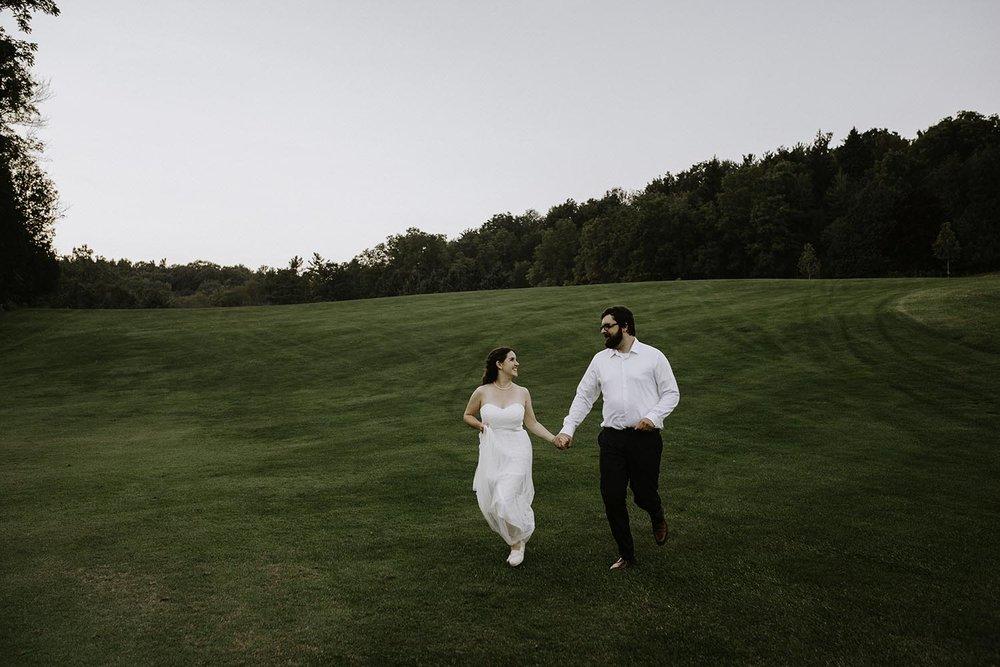 golf-course-wedding-photos-burlington-copperred-photography.jpg
