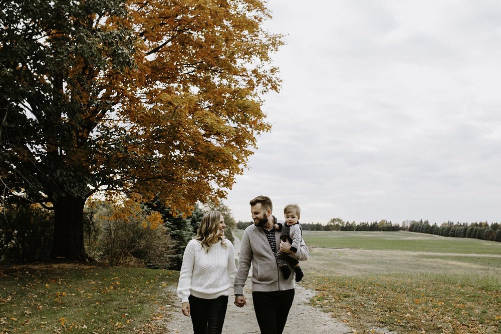 fall-family-photos-whittamores-farm-copperred-photography.jpg