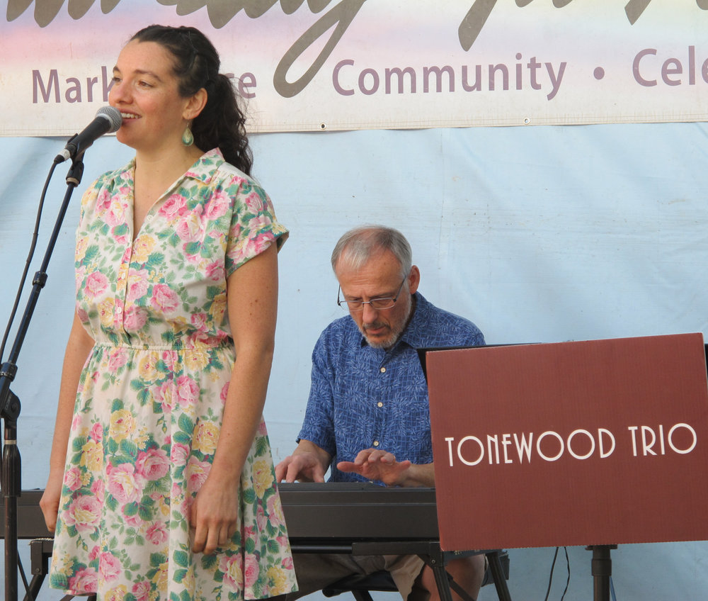 Tonewood at Sat. Mkt 01.jpg