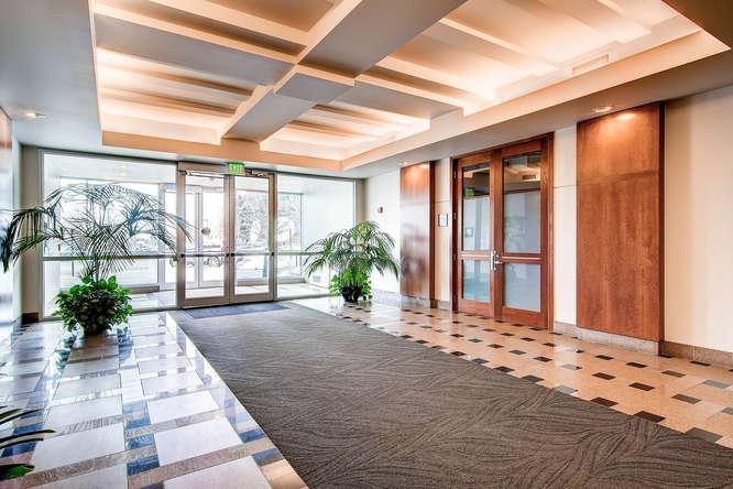 Monaco Plaza-small-009-Lobby-666x444-72dpi.jpg