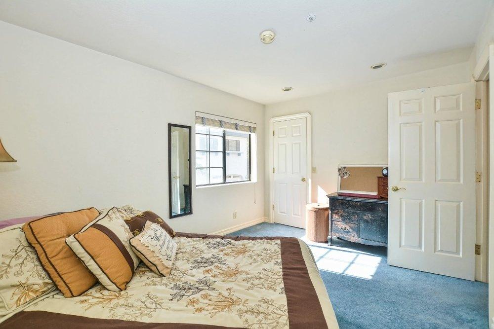 052_Apartment (Medium).jpg