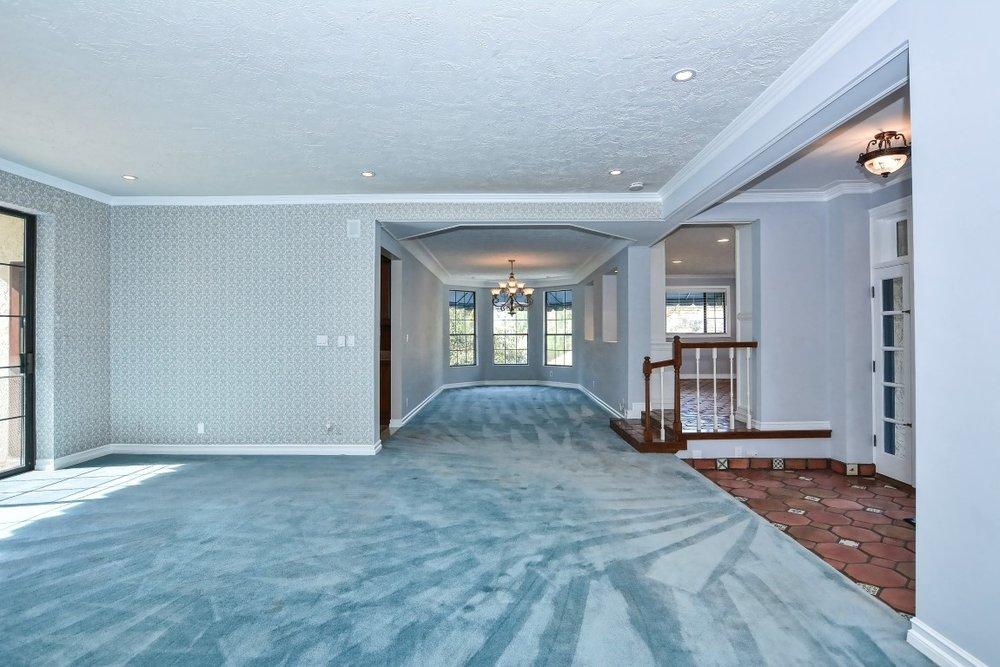 004_Main Living Area (Medium).jpg