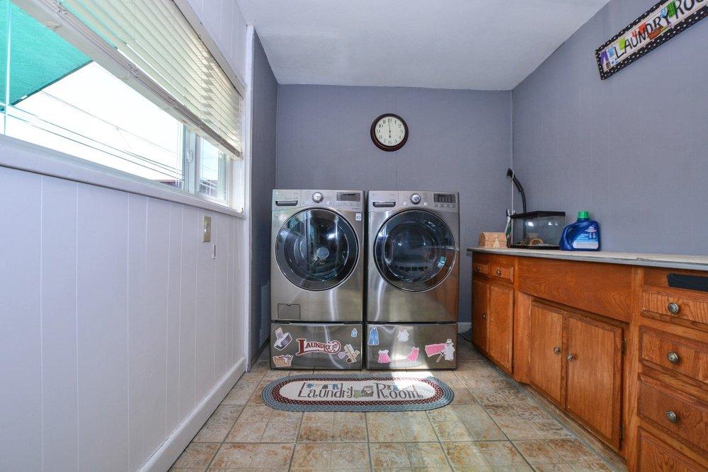 022_Laundry (Medium).jpg