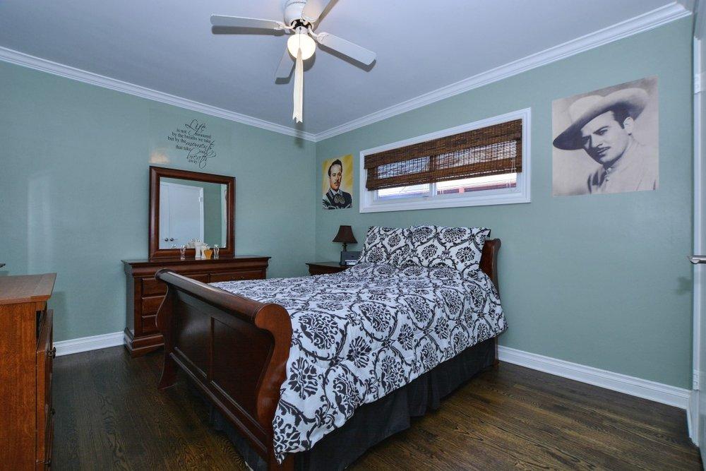 014_Bedroom 1 (Medium).jpg