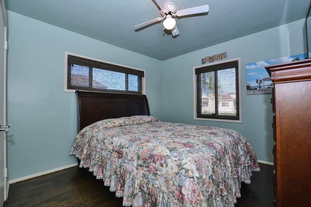 017_Bedroom 2 (Medium).jpg