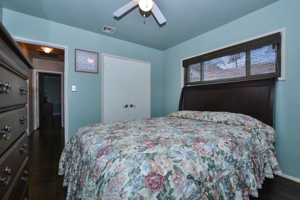 018_Bedroom 2 (Medium).jpg
