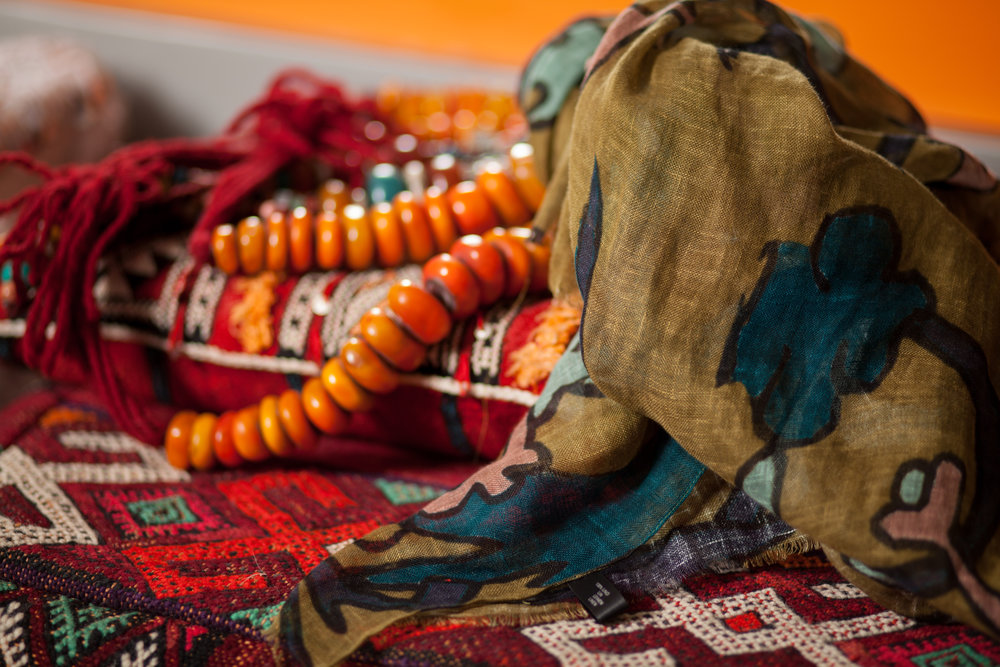 The movements, color, texture, traditional fashion of the Gnawa culture are also enveloped in the textile design of the collection. -