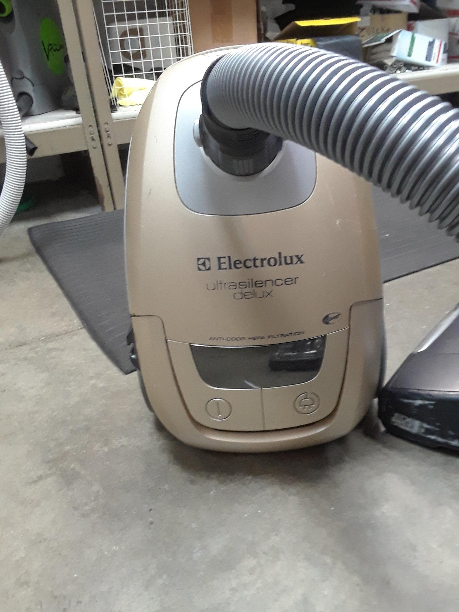 Electrolux vacuum repair Deerfield IL — Kritz Vacuum