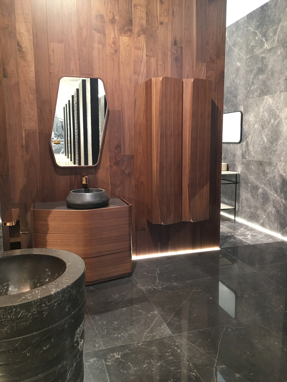 I loved the angled detailing in the bathroom furniture and accessories