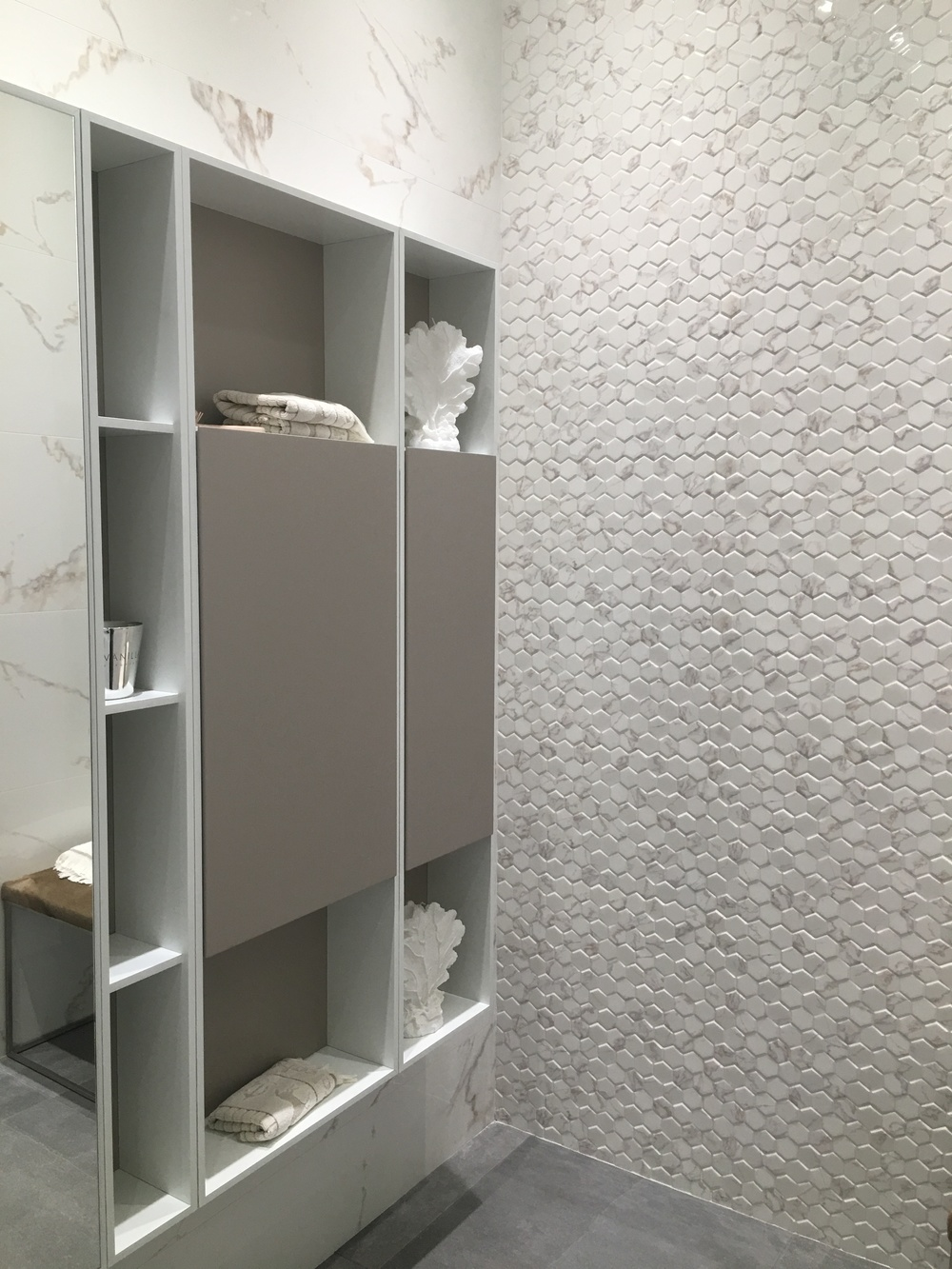 Simple but smart tile applications