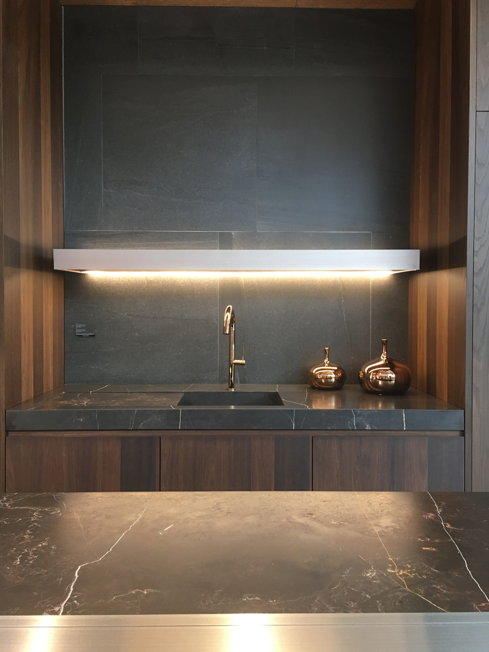 Super slick kitchen. For the copper fans out there