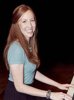 HabitAware-Kelsey-TLCBFRB-Piano-Playing-Renaissance-Woman-With-Trichotillomania.png