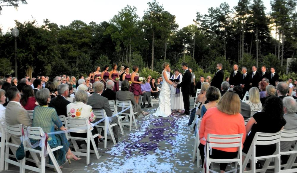 Lovely wedding in-the-round at the Washington-Duke Inn in Durham