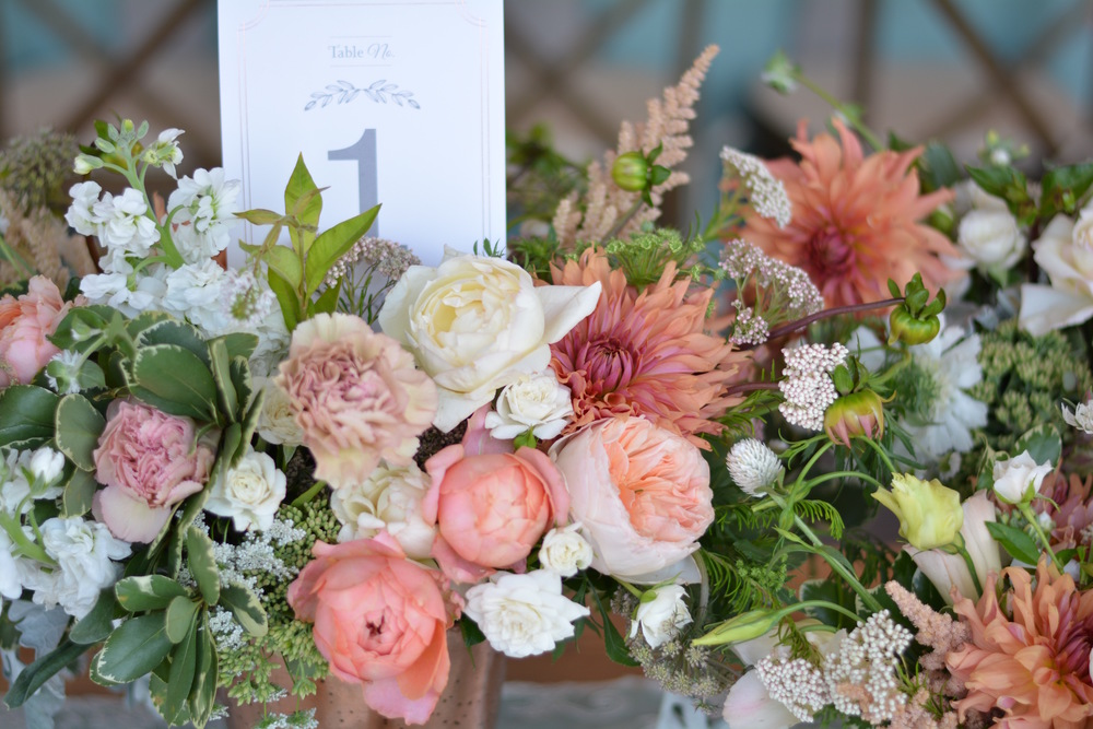 Heirloom Floral Design - Bend Weddings -Farmer florist-Locally grown- Oregon grown-Slow flowers-Center Pieces -Tetherow Resort 1.jpg