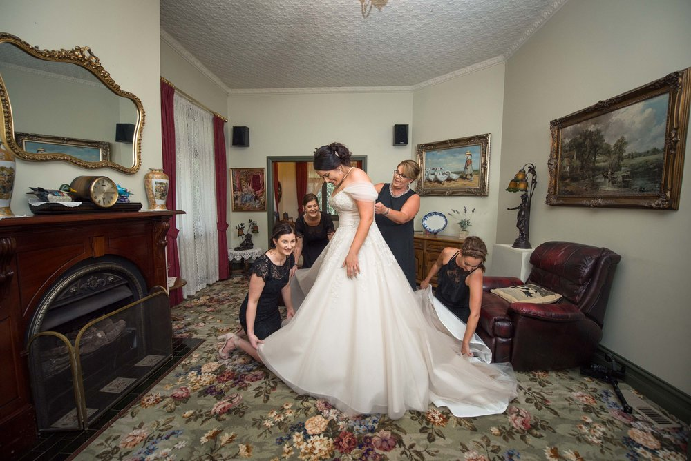 Monique & Braeden Cairney's Wedding Photography - Wedding Photog