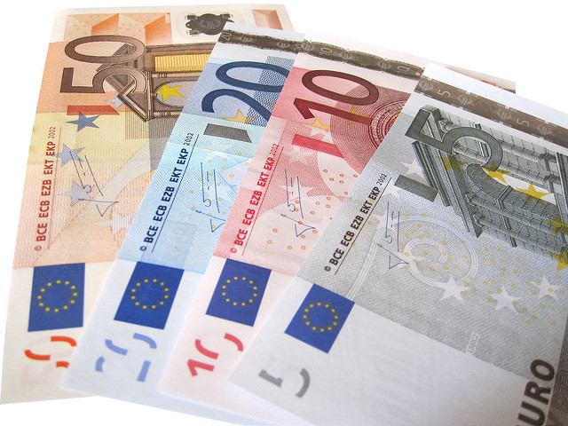 Euro bills . Copyright by reynermedia on flickr ( CC BY 2.0 )