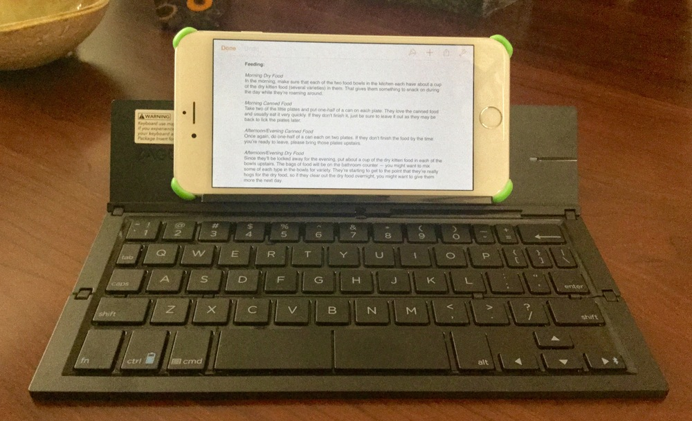 ZAGG pocket keyboard for Apple smartphones, phablets and tablets