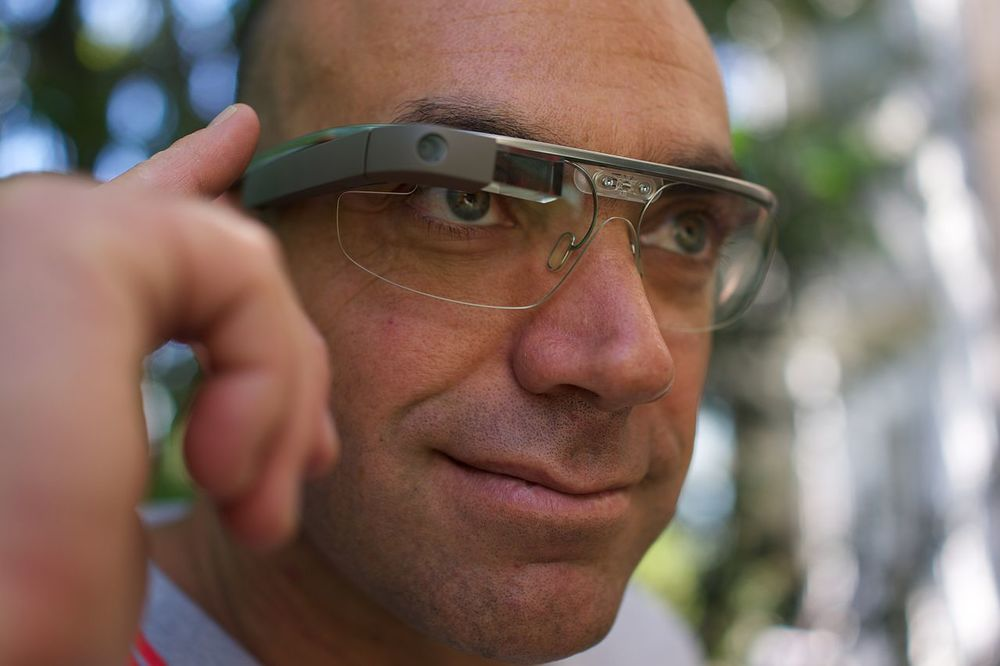 GOOGLE GLASS IMAGE BY LOÏC LE MEUR VIA FLICKR, CC BY 2.0