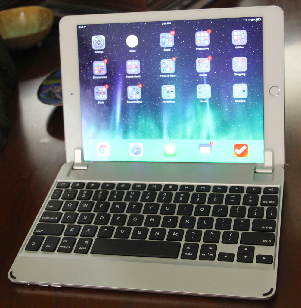 BrydgeAir Keyboard for iPad Air/Air 2. Photo ©2015, Steven Sande, All Rights Reserved