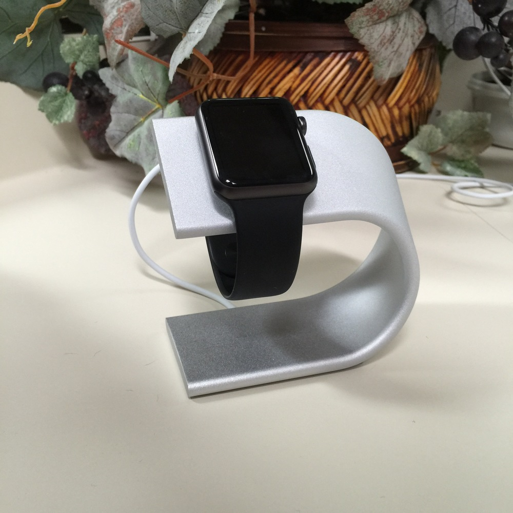 Nomad stand for Apple watch. photo ©2015, Steven Sande. All rights reserved