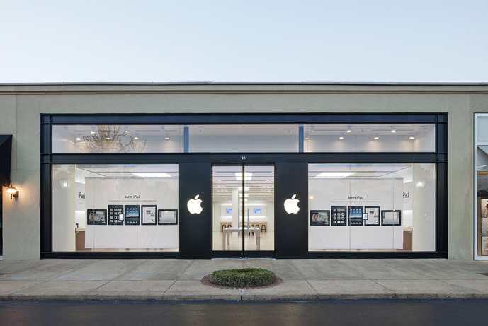 Image of the existing Saddle Creek Apple Store in Germantown, TN. Via Apple.com
