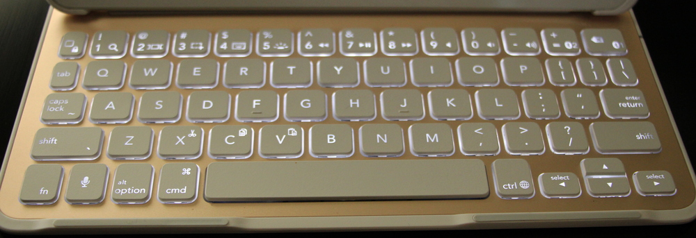 Backlit keyboard of the Belkin QODE Ultimate Keyboard for iPad Air 2. Photo ©2015, Steven Sande