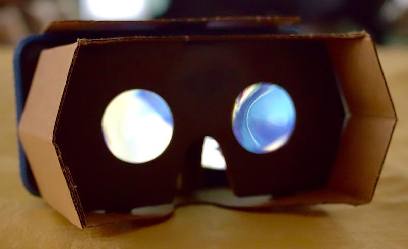 DODOCASE P2 Virtual Reality Pop-Up viewer. Photo©2016, Steven Sande