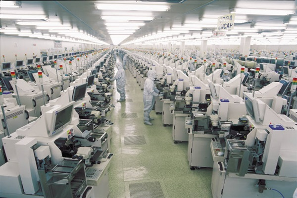 Production line at Amkor Technology Korea. Image via ETNews.