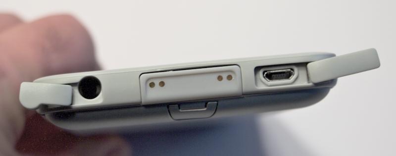 Headphone port, docking adapter, micro-USB port. Photo ©2016 Steven Sande
