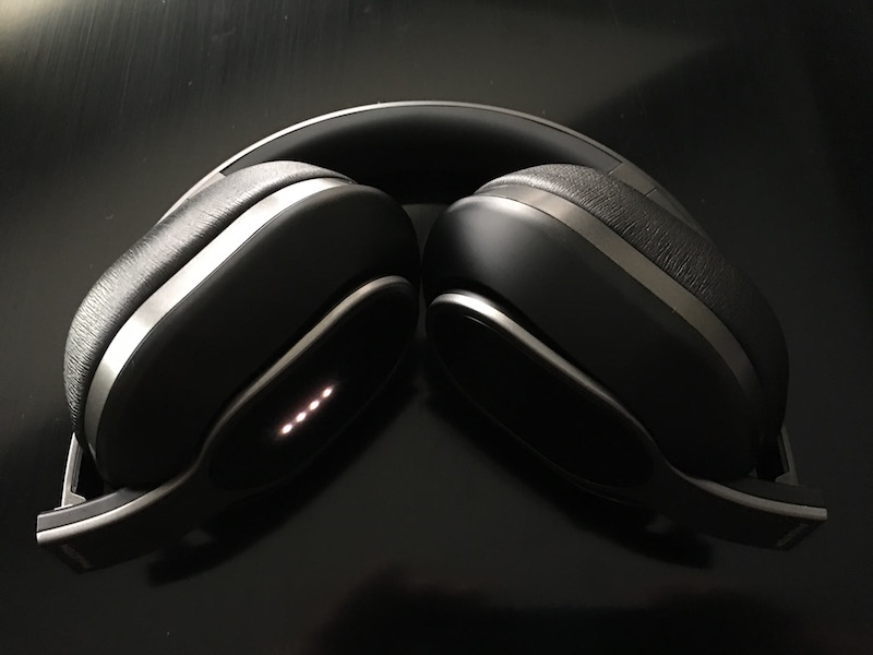 BT460 Headphones folded (LED display on right ear cup). Photo ©2016 Steven Sande