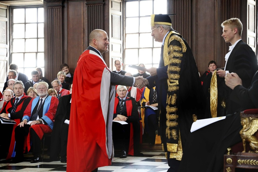 Apple design chief Jony Ive receives his honorary doctorate from Cambridge