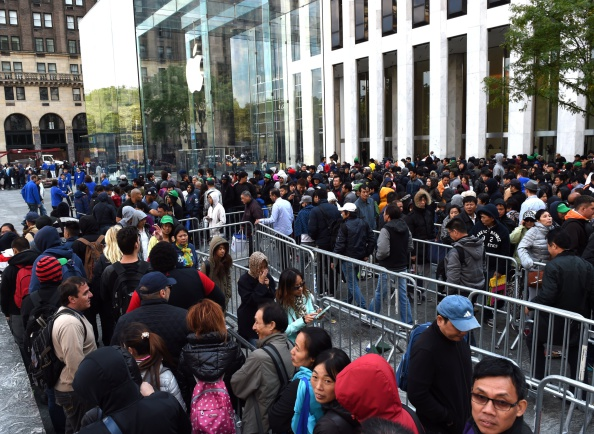 People in line at Apple 5th Avenue (NYC) for a previous iPhone launch. Image via newyork.cbslocal.com