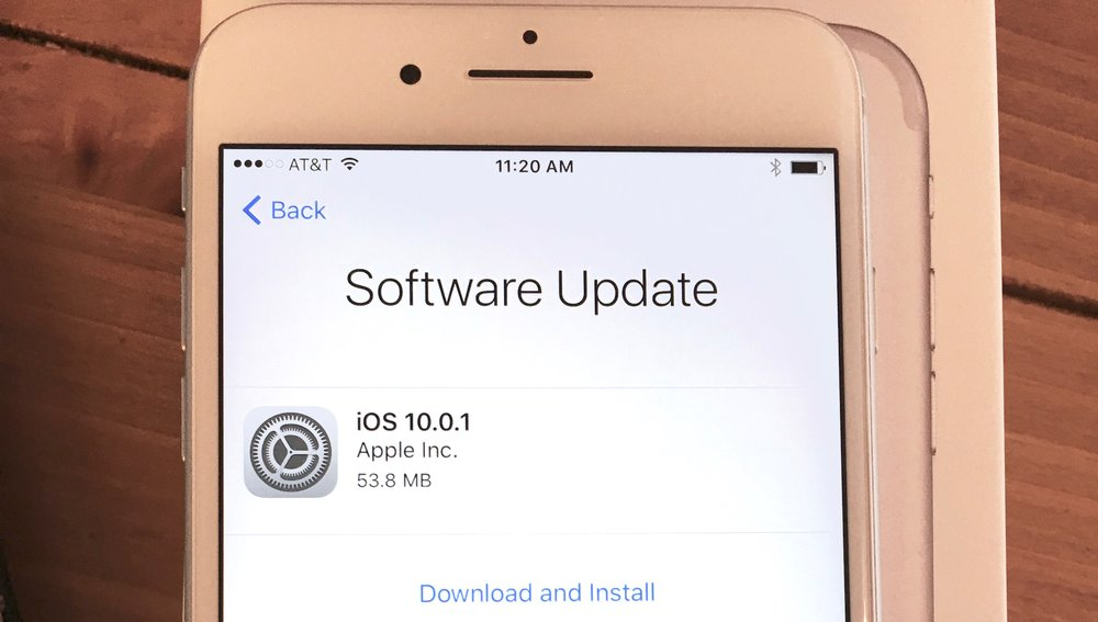 Yes, I got to install a software update on a brand new iphone. image ©2016, Steven Sande
