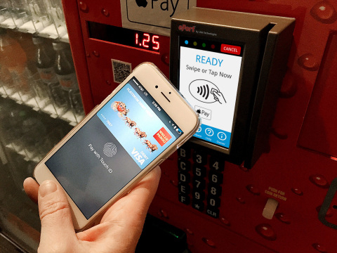 photo image Apple Pay messaging at POS drives 135% increase in mobile payments usage