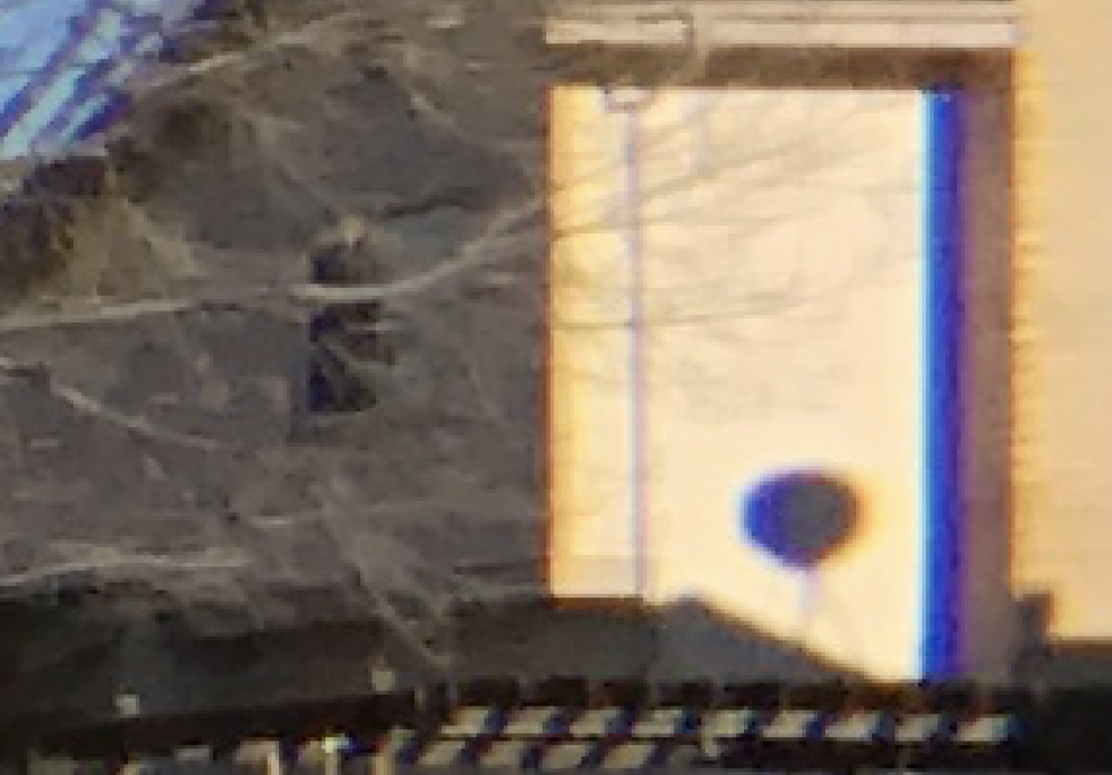Image zoom showing blue banding