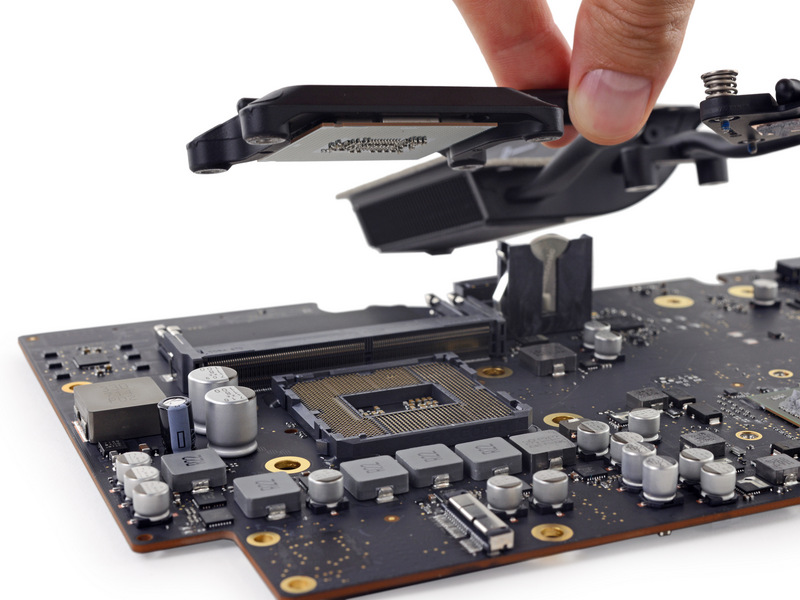 Image via iFixit,  Creative Commons BY-NC-SA