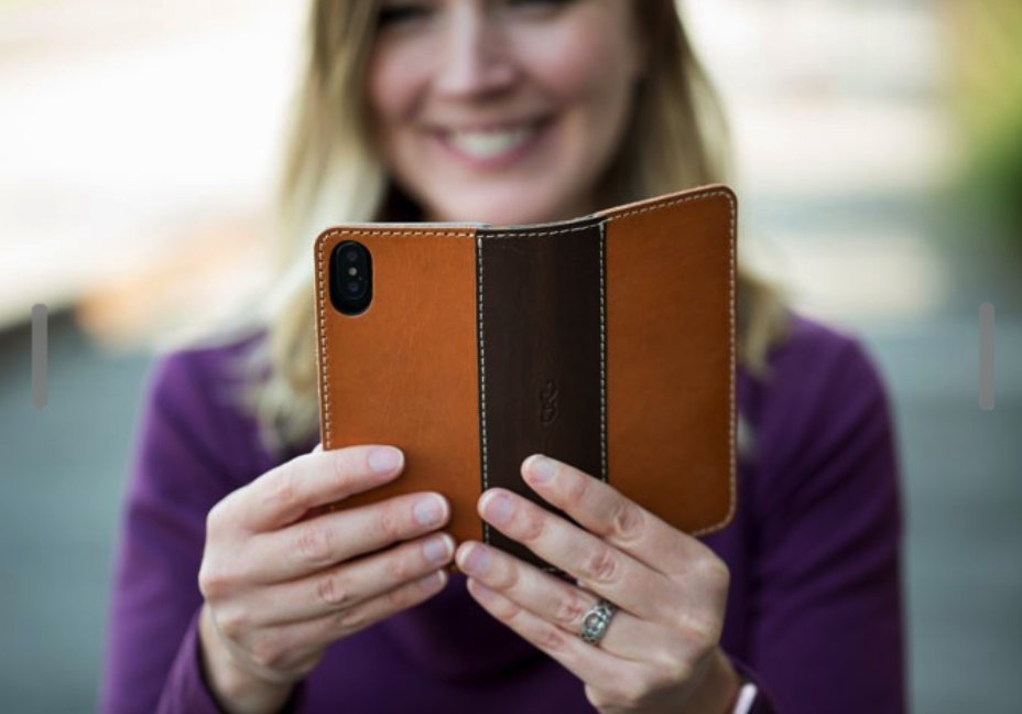 The Pad & Quill Heritage Bella Fino leather case for iPhone X