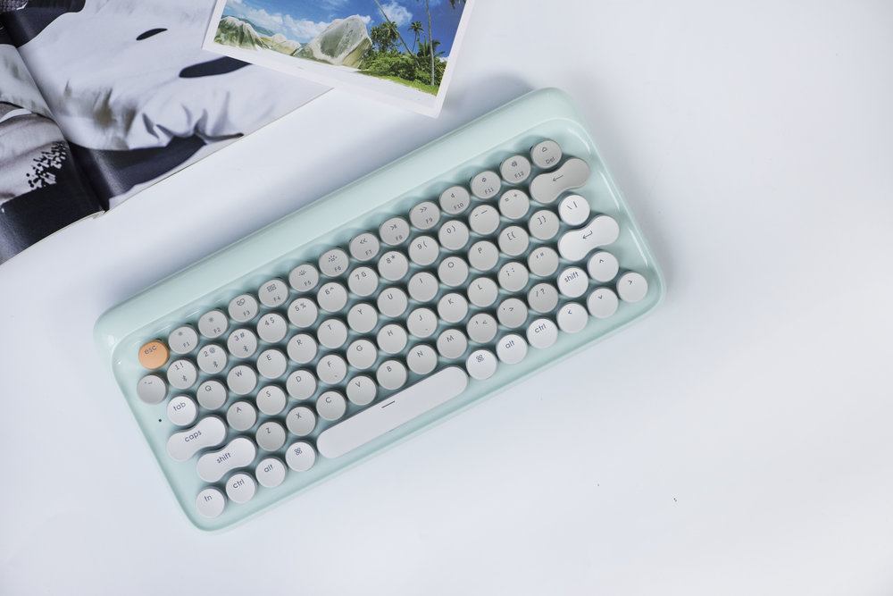 Aestival Blue Four Seasons keyboard
