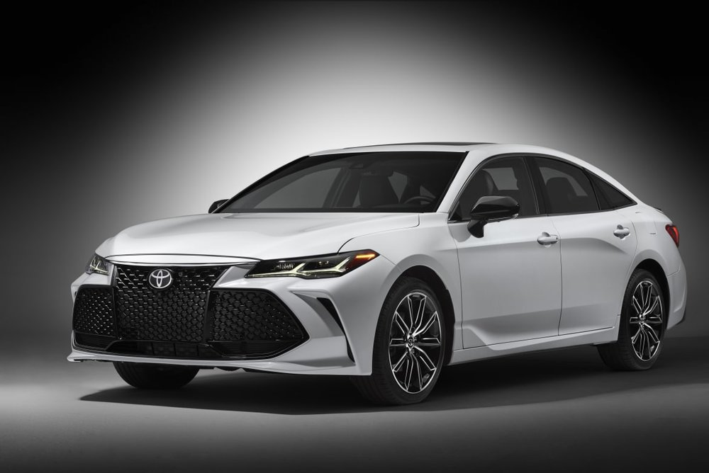 2019 Toyota Avalon, which will support Apple CarPlay