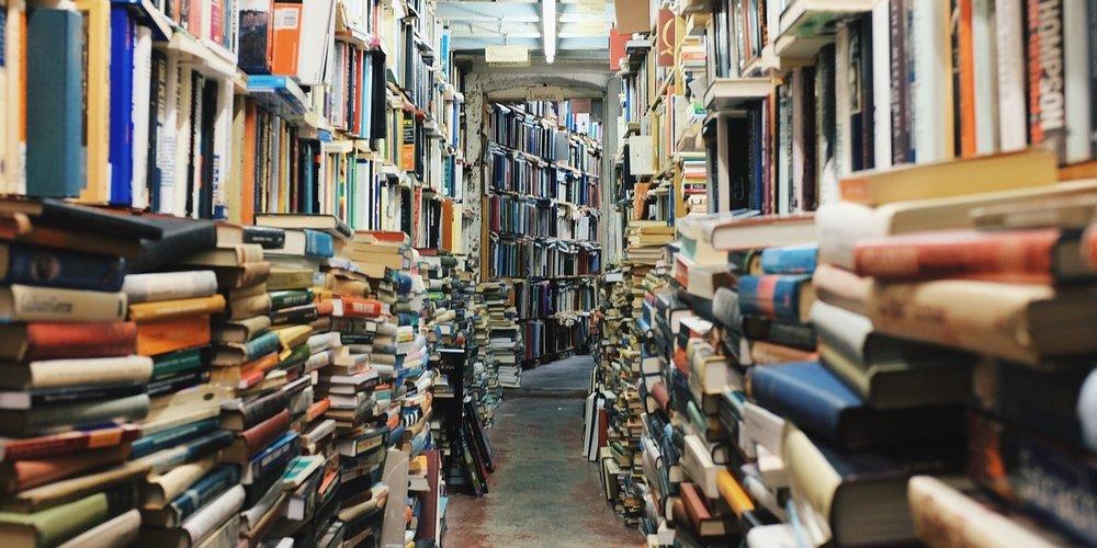 books-768426_1280-1280x640.jpg