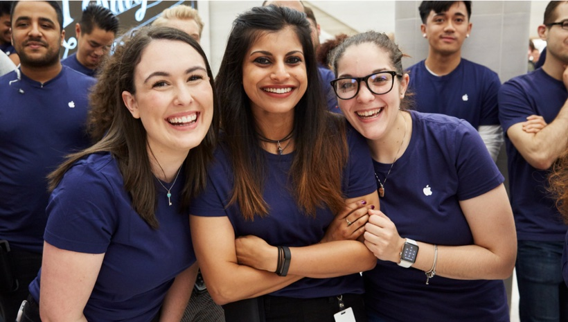 Apple Marché Saint-Germain -- Photo courtesy of Mogul