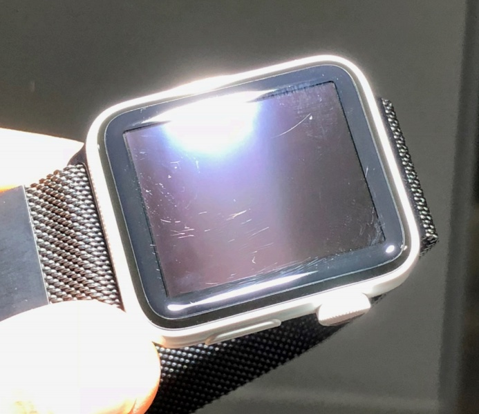Man sues Apple because the Apple Watch isn't 'brilliantly scratch resistant' as promised