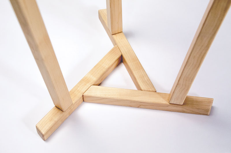 maple side table detail