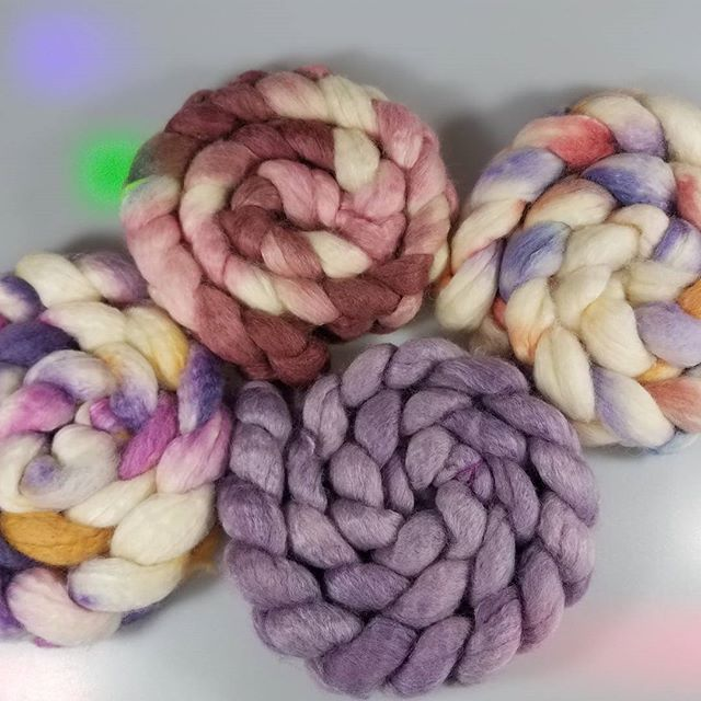 Fibery goodness... 75%Bluefaced leicester 25%Tussah silk  100%Gorgeous!  #fiberistaclub #fiberista #fiber #yarn #yarnporn #yarnlove #knit #knitting #knitstagram #knittersofinstagram #crochet #crochetersofinstagram #sweetgeorgia #oakpark