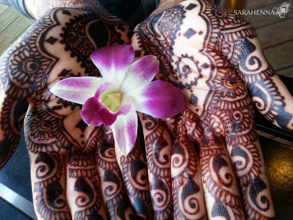 Naturally dark henna using pure, organic ingredients!
