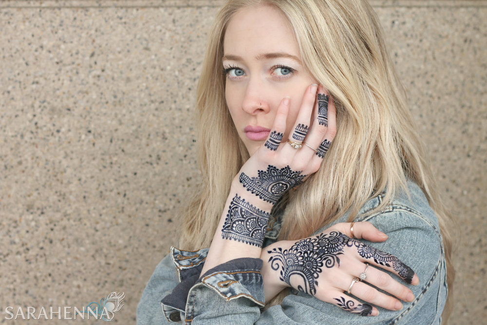 Lindsay-stone-w.jpg