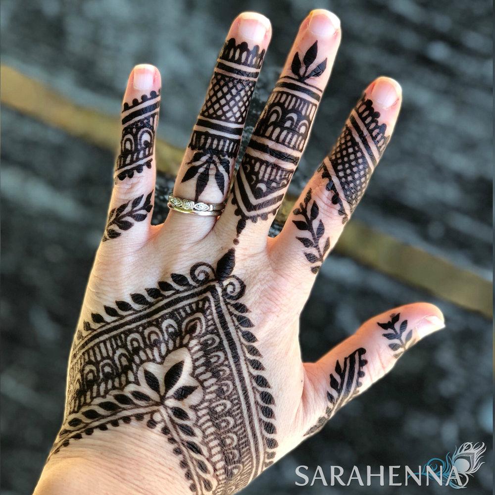 Jagua-henna-hand.jpg