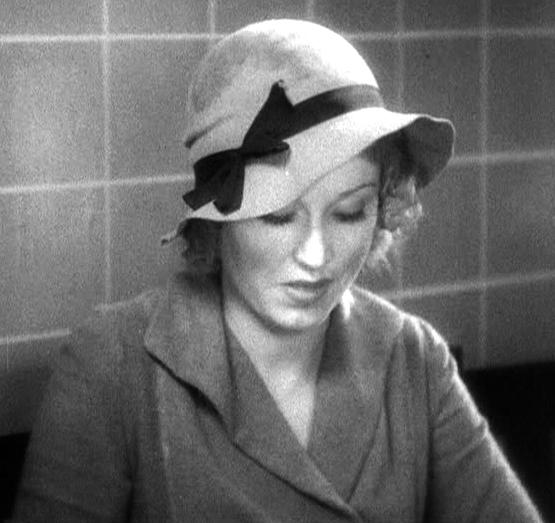 Fay Wray as Ann Darrow, first meeting with Carl Denham.