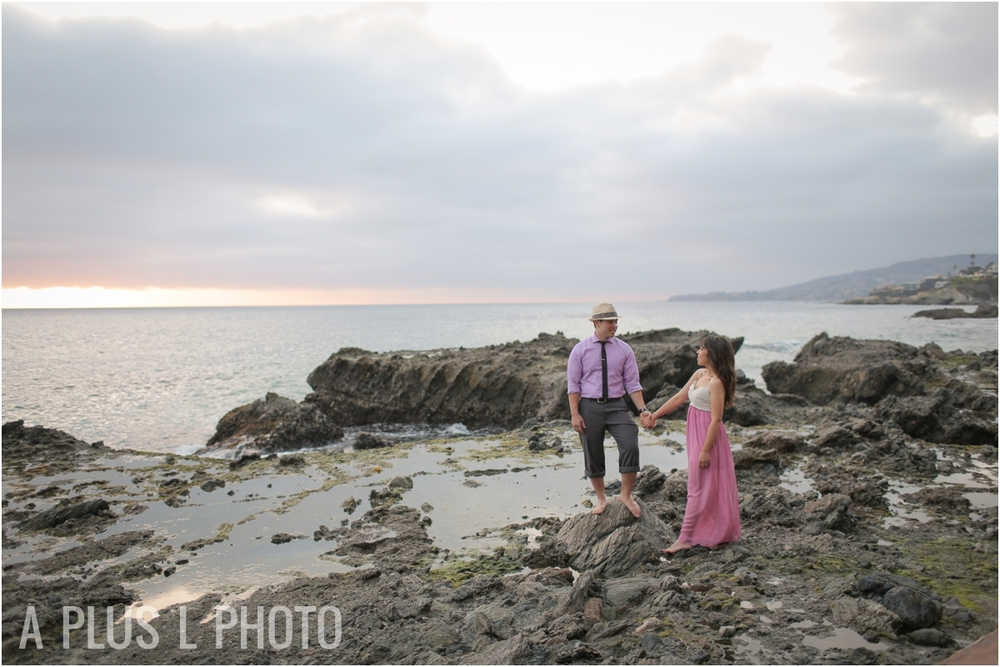 Victoria Beach Engagement Session | A Plus L Photo