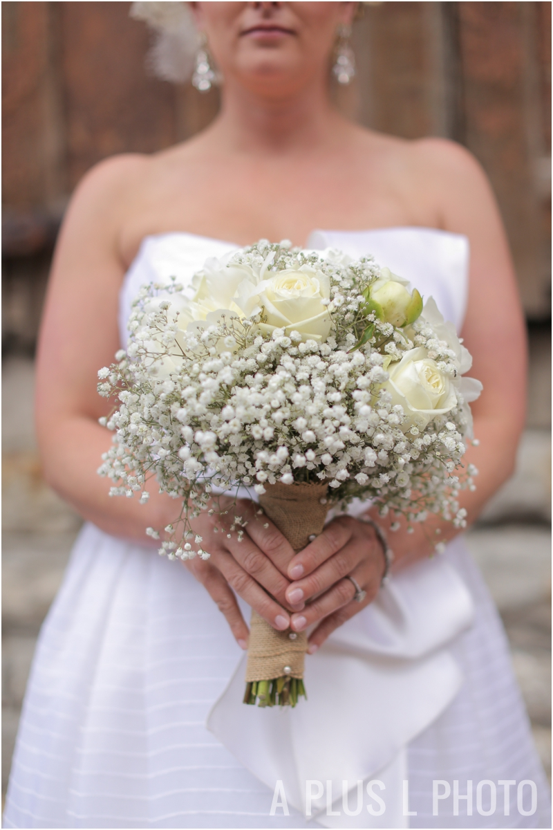 Columbus Ohio Wedding | White Roses and Baby's Breath Bridal Bouquet | A Plus L Photo | Portland, OR Wedding Photographers